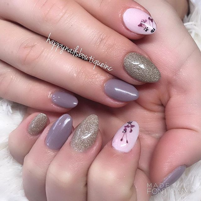 #fairydust #drop #chicagonails #HNB #handpanted #freehanddesign #chitown #lakeview #notd #nails #nai