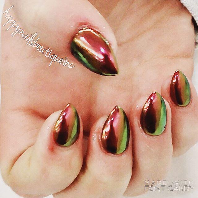 #chameleon #chrome #chromenails #Chicago #chic #Lakeview #nails #nailart #nailsalon #nailsmagazine #