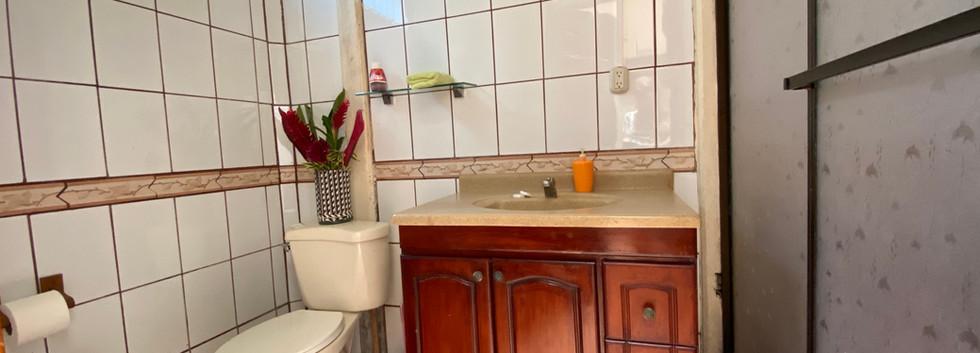 Private Bathroom Villas Allen.jpg