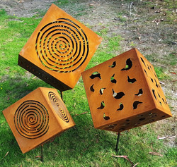 Rusty Cubes with Spikes