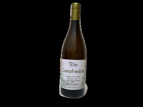 una bottiglia di vino italiano costafredda prodotta da Carlo Noro