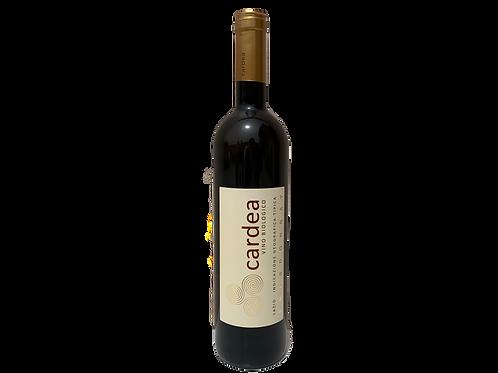 una bottiglia di vino bianco cardea biologico biodinamico