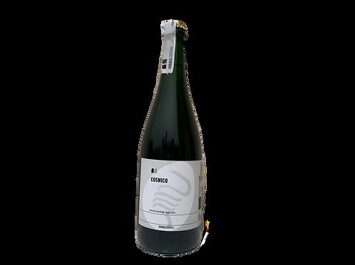 una bottiglia di vino frizzante cosmico del Casale Certosa