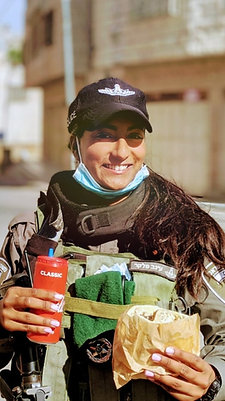 Falafel & Drink for IDF Soldier