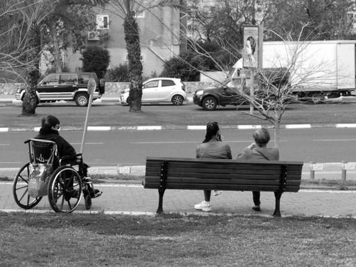 Портрет кляузницы в интерьере одиночества
