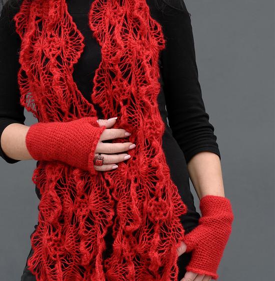 Шал и ръкавици от прежда Angora