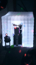 Blow Up Photo Booth
