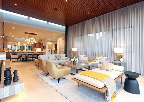 4-20181006 114 Livingroom.jpg
