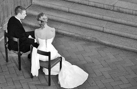 Mit flinken Fingern zaubere ich Dir die perfekte Hochzeitsfrisur. Ob bei Dir zu Hause oder an der Hochzeitslocation, Hairstyle by Franziska Frommenwiler ermöglicht Dir jede Traumfrisur.