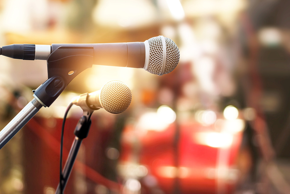 Need to hire live music for your wedding reception? Contact AnchorBlanc.