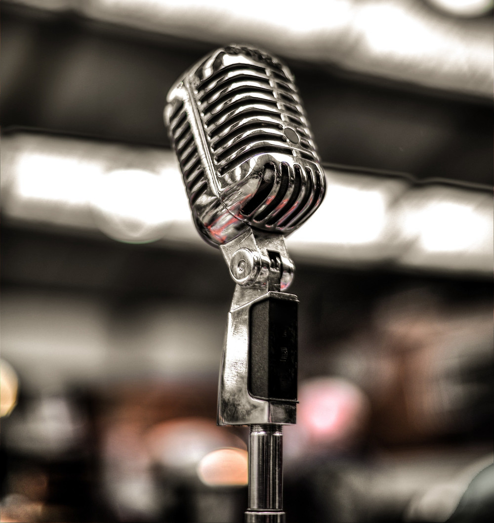 anchorblanc aims to give you the best wedding emcee experience we can with a pleasant voice.