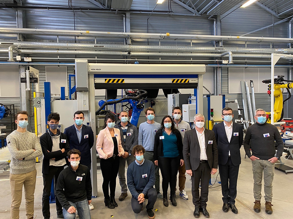 Lauréats Manufacturing Factory by C.R.I et Atlanpole