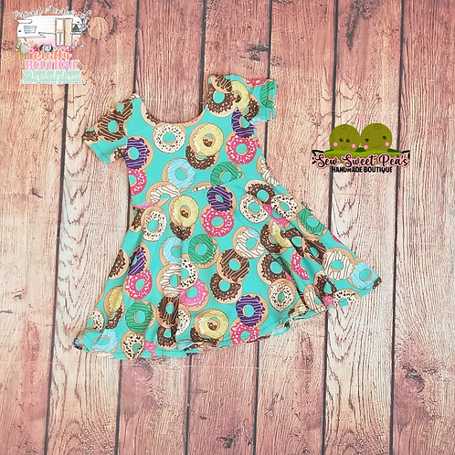 Donuts girls dress size 6y rts, twirly dress, pink flowers