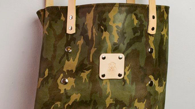 'Hunter' -Women's Camo Tote