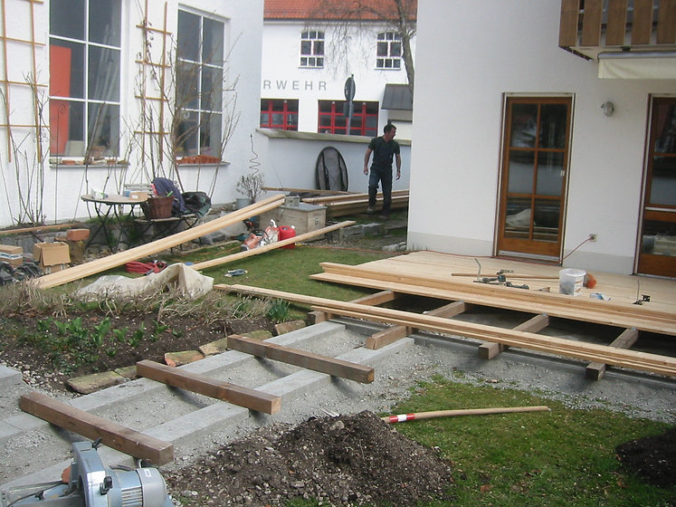 Bau Holzterrasse.JPG