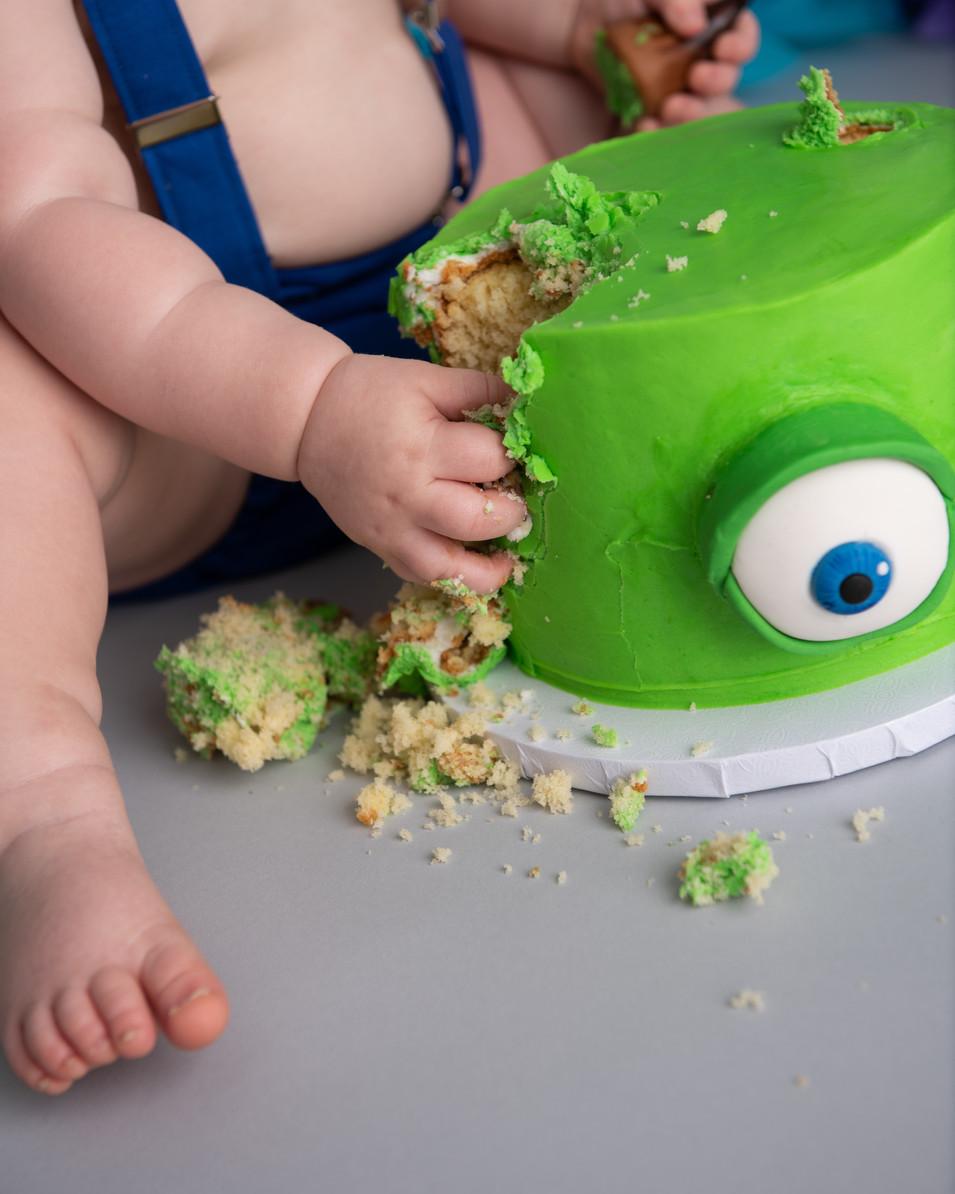 Monsters Inc cake smash session