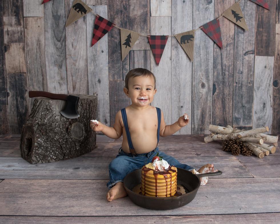 Lumberjack cake smash session