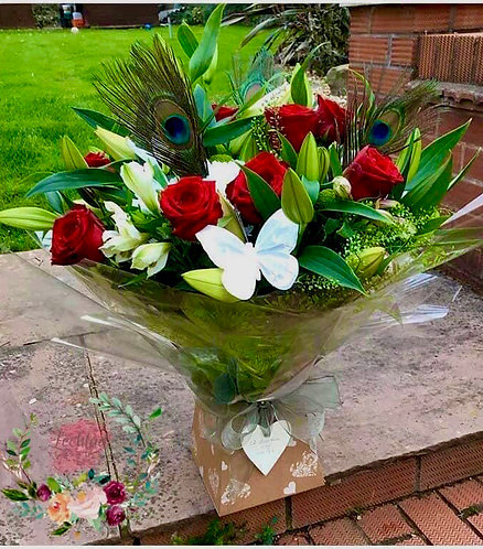 Red rose lilies  mix