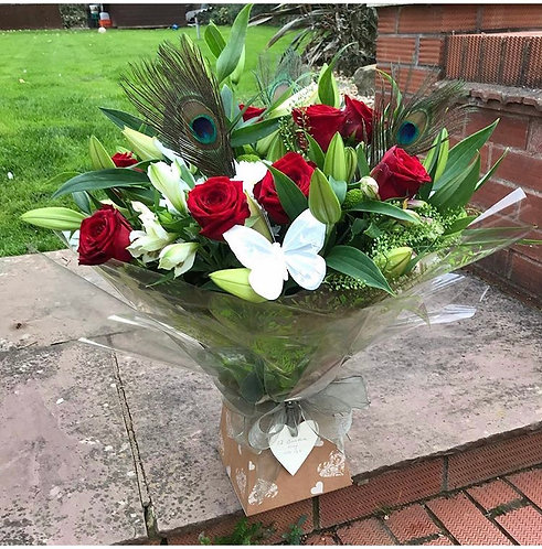 12 red roses & lilies  mix