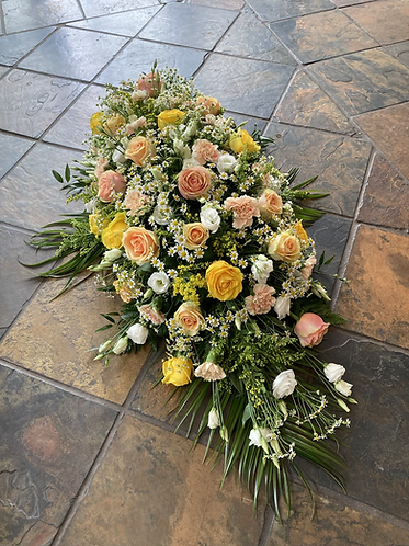 4ft peach and yellow coffin spray
