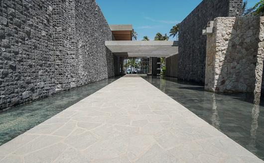 Entrada do Resort