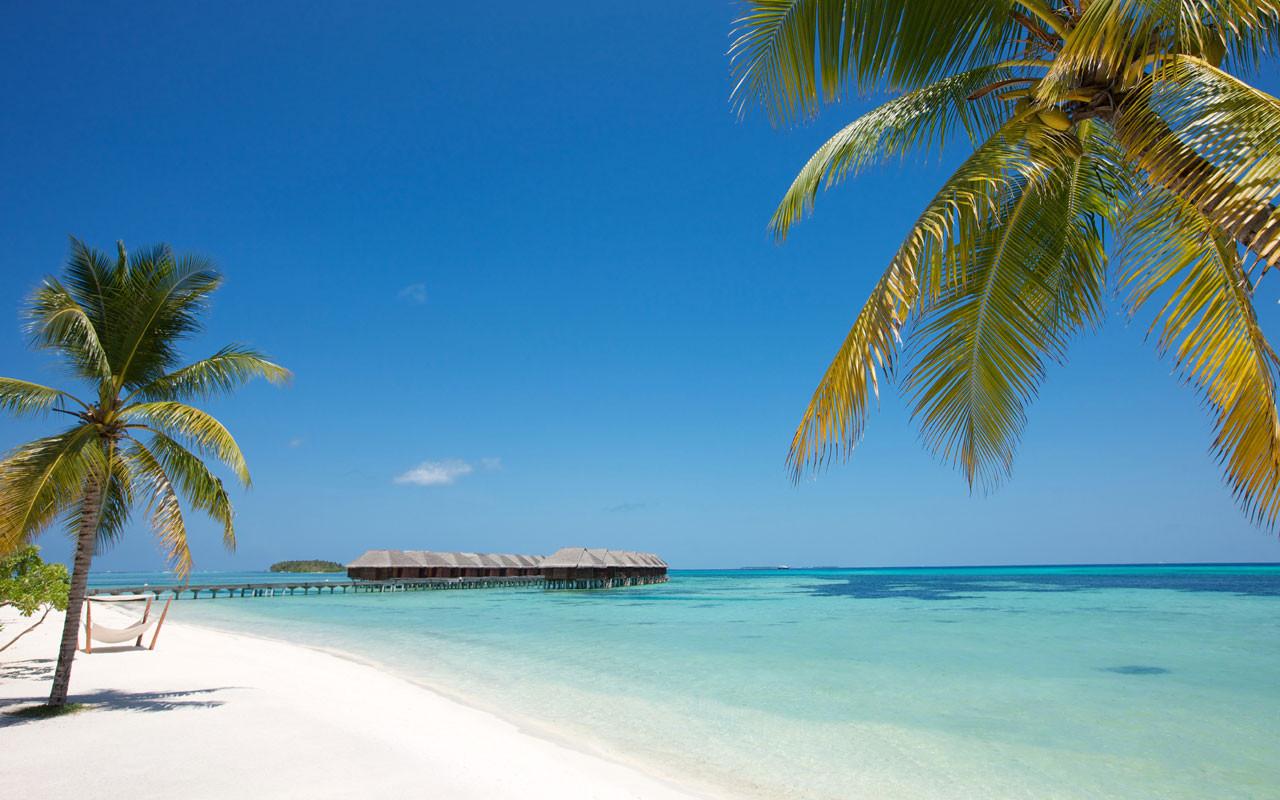 Praia do Lux* South Ari Atoll.