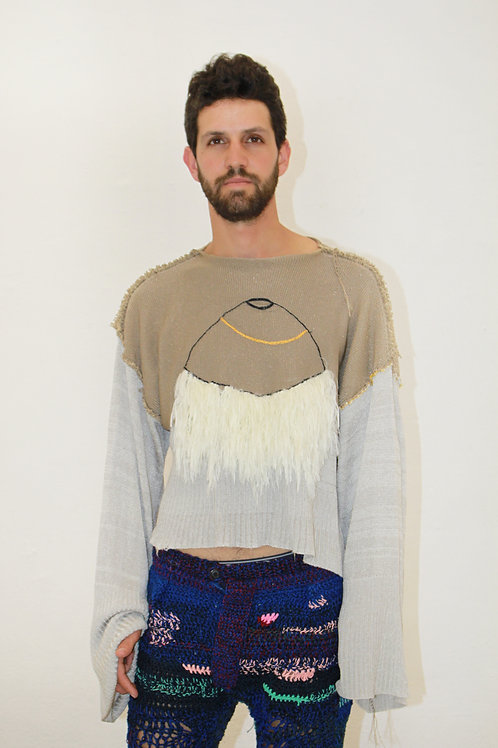 Bell sleeves cyclop sweater