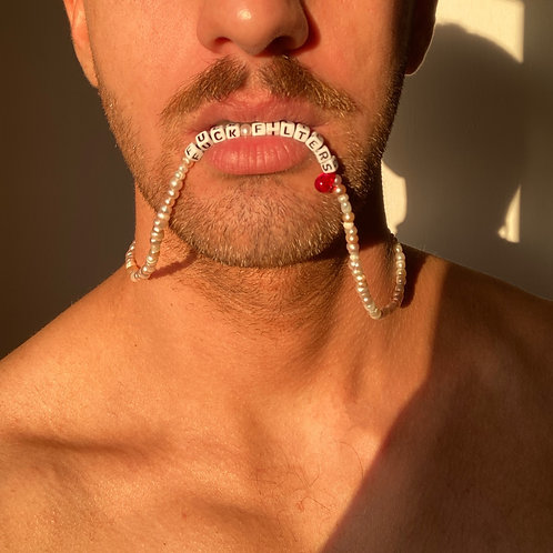 *Fuck filters* pearls necklace