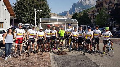 Ciclistas Tour 2017.jpg