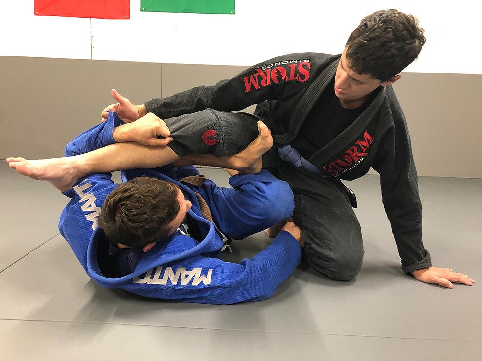 Renversement en X gard a l'académie de Jiu-jitsu brésilien et grappling à Lyon 2