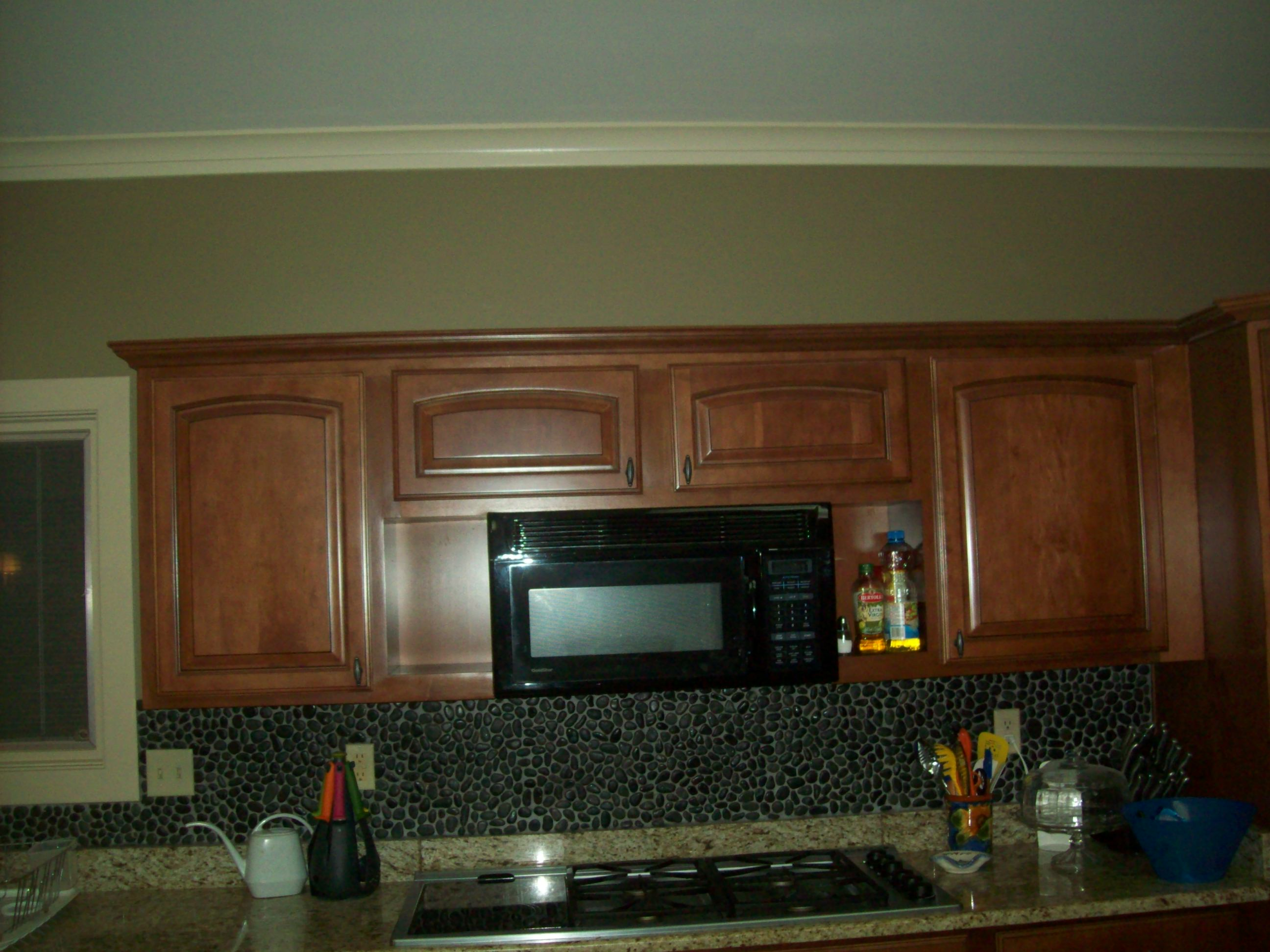 Custom Tile Backsplash & Cabinets