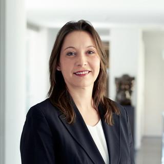 Nicole Schuster; Kassenwart