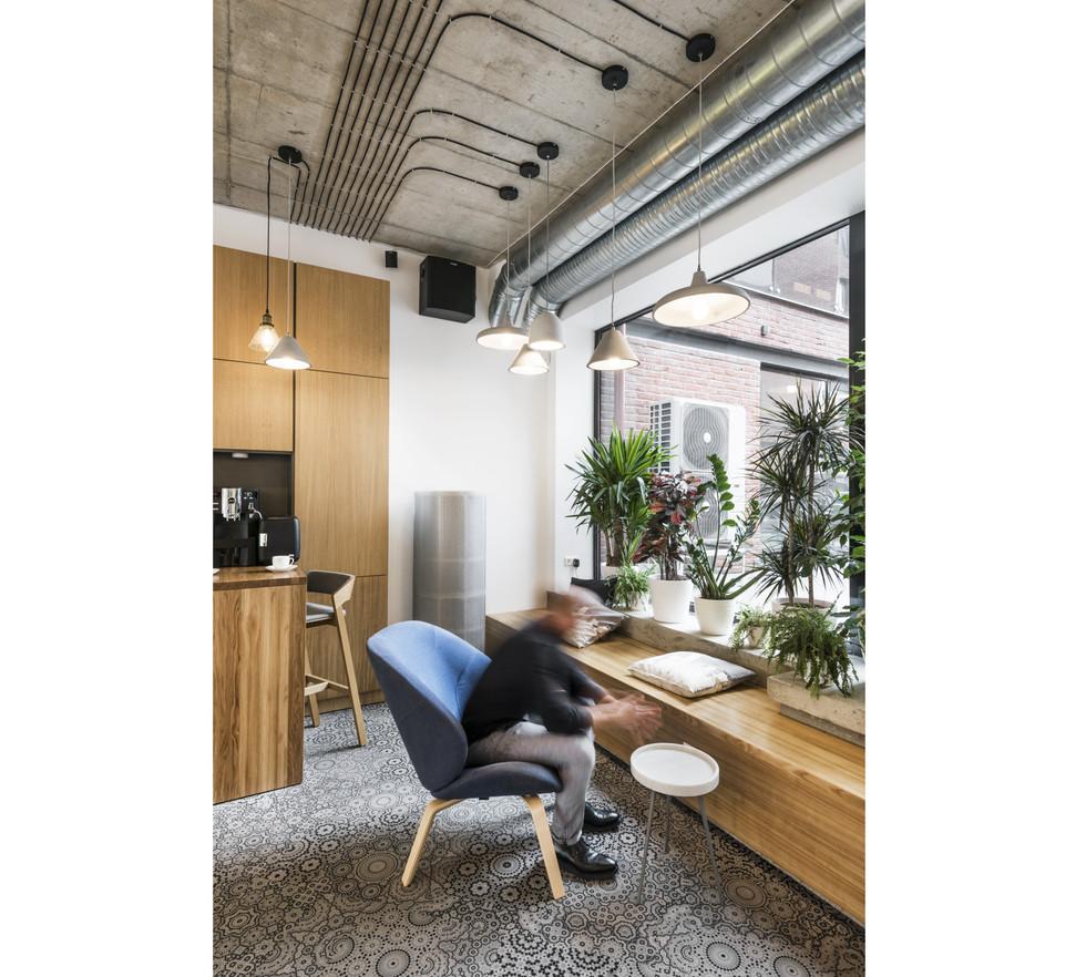 BROLIAISHAUNUOLIAI interior design1.jpg