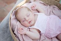 Séance bébé Antibes (2 sur 7)(1).jpg