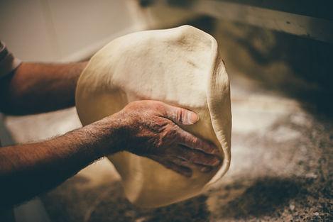 Pizza Art. The process of making pizza.j