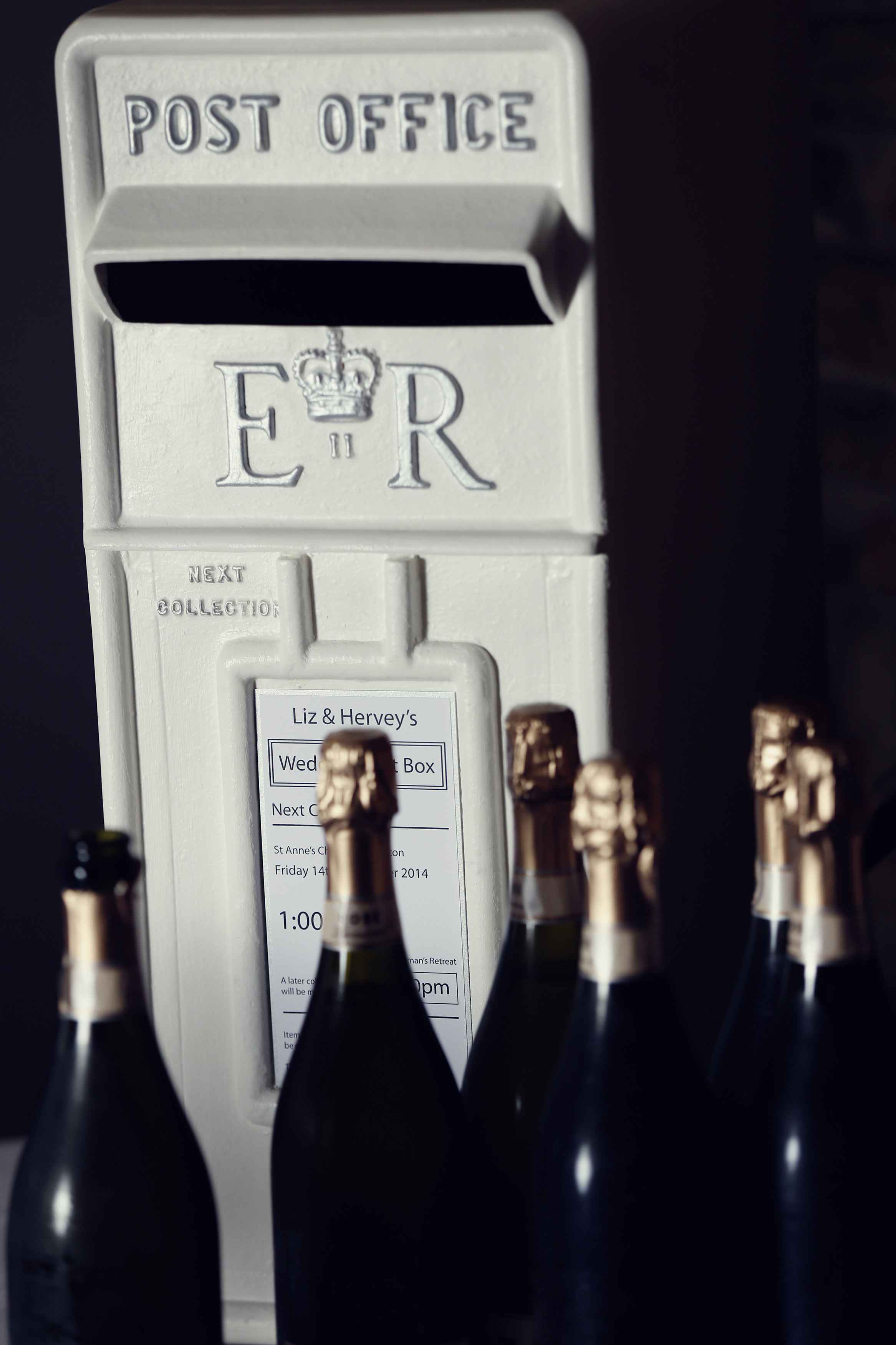 Royal Mail 'ER' Post Box