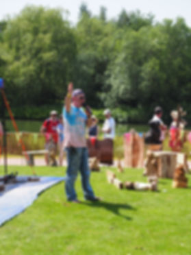 Chainsaw Carving at Retrofest Events UK