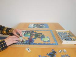 Konzentrationstraining beim Puzzeln