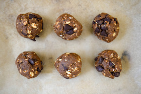 Healthy Chocolate Oat Rounds