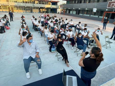 """Imparten conferencia """"Salud mental y Juventud"""" a estudiantes de la Carlos Marx"""