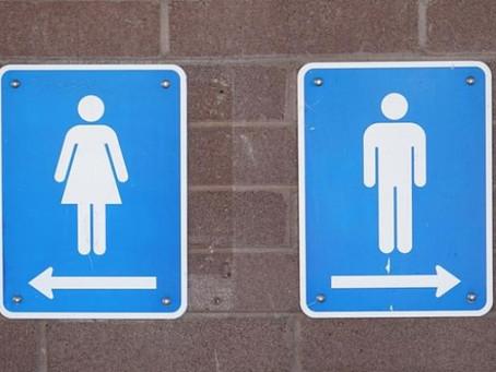 Empresa multa a sus empleados por ir al baño más de una vez al día