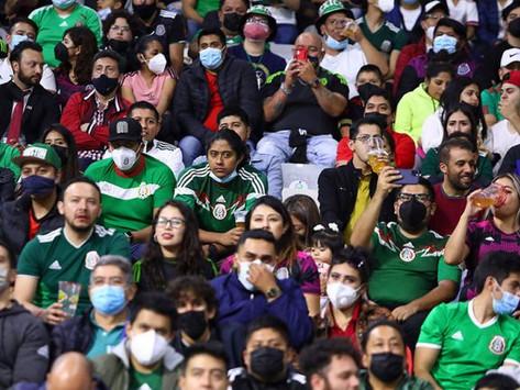 México vs Canadá se detuvo por grito homofóbico (VIDEO)