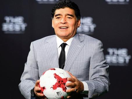 """Equipo médico de Maradona lo abandonó """"a su suerte"""", señala informe"""
