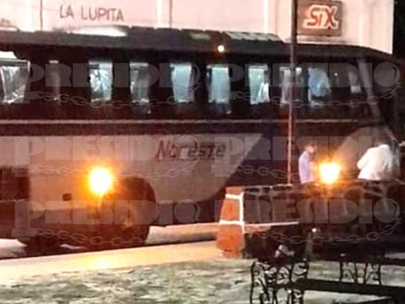Muere septuagenaria dentro de un autobús de transporte público