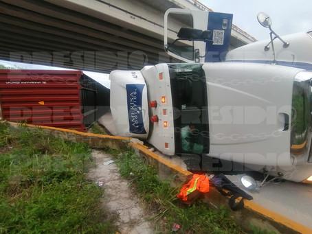 """""""Monse la trailera"""" sufre accidente"""