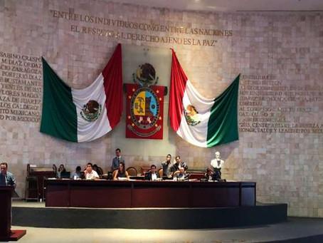 Por primera vez en la historia, el Registro Civil de Oaxaca reconoce legalmente a niña con dos mamás