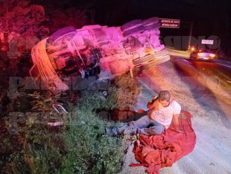 Trabajadores del Tren Maya lesionados tras volcadura
