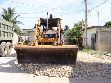 Repavimentación en calles de la colonia Ciénaga 2000 de Progreso