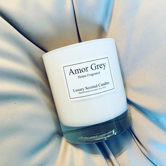 Gloss white candle with gift box