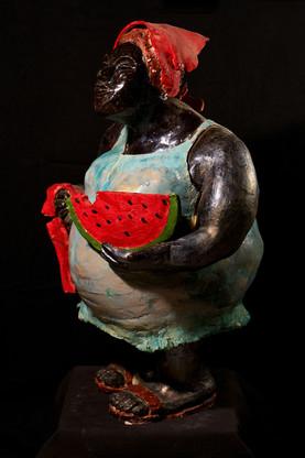 אשה באדום